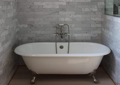 Carrara-Marble-Subway-Tub-Surround,-South-Pasadena,-by-Ceramic-Finishes