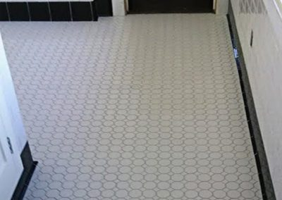 Classic-black-and-white-hex-round-floor-by-Ceramic-Finishes-Los-Angeles-tile-contractor